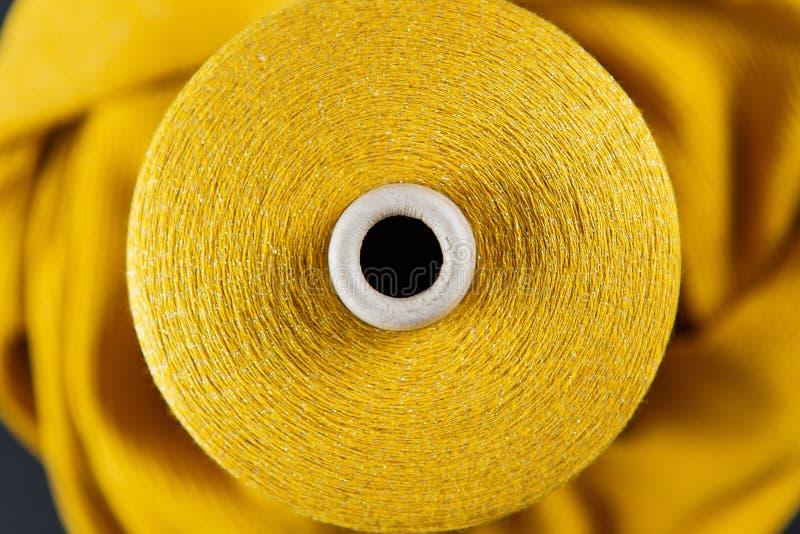 Желтое пасмо цвета стоковые фото