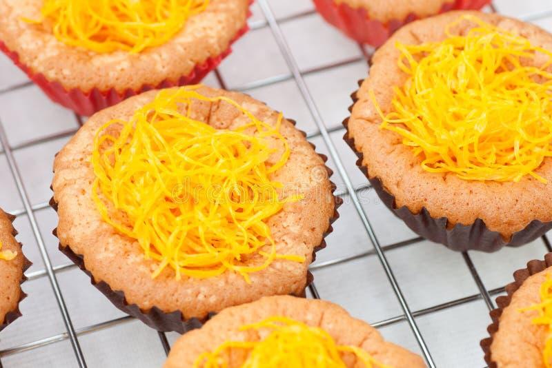 желток резьбы золота яичка торта стоковые фотографии rf