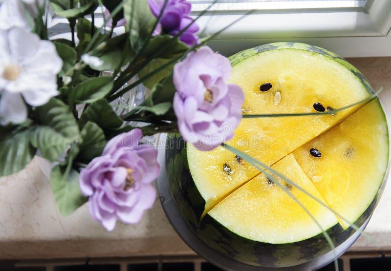 Желтый арбуз, желтая плоть арбуза стоковые изображения rf