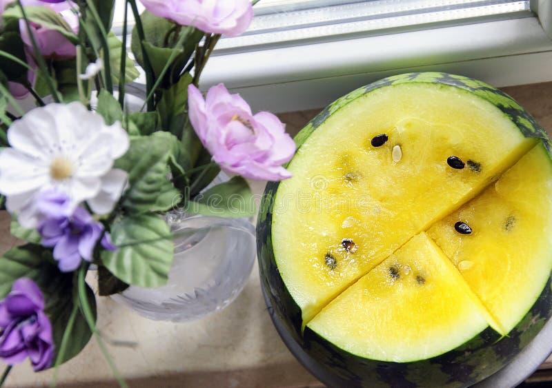 Желтый арбуз, желтая плоть арбуза стоковые фотографии rf