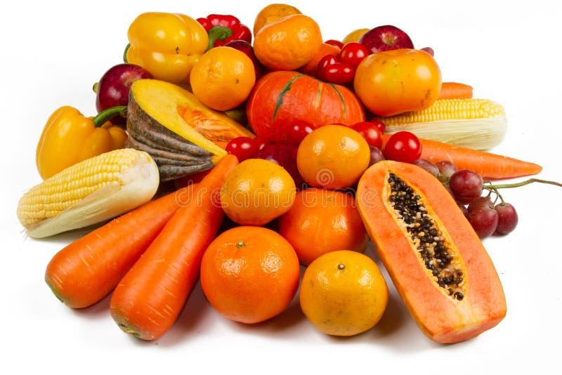 Желтый овощ и изолированная плодом белая предпосылка стоковые фото