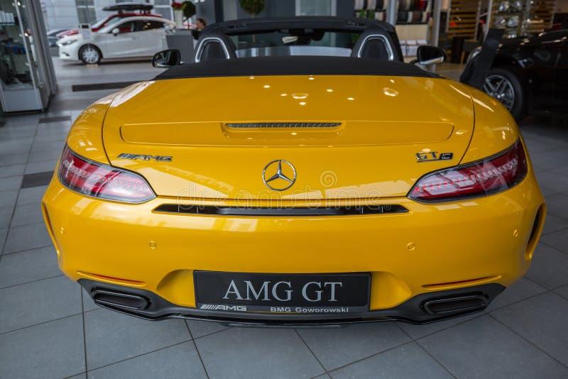 Желтый родстер Мерседес GT c стоковая фотография rf