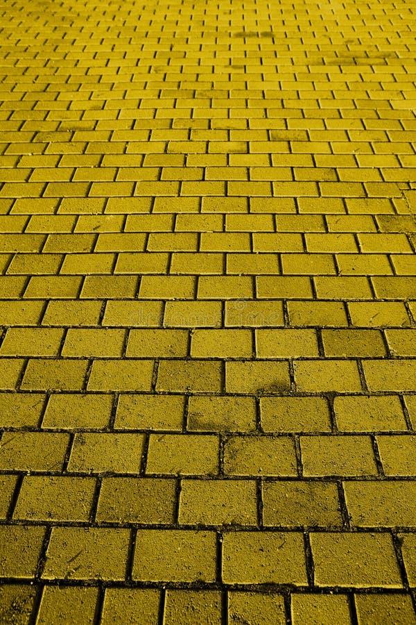 желтый цвет дороги кирпича стоковое фото rf