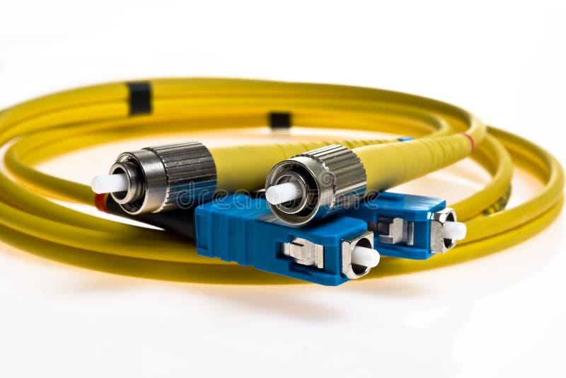 желтый цвет кабеля оптический стоковое изображение