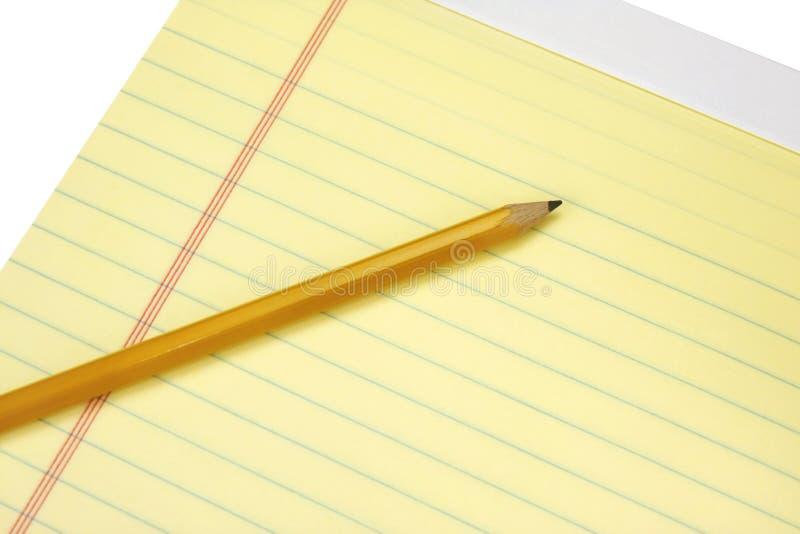 желтый цвет карандаша законной пусковой площадки стоковая фотография