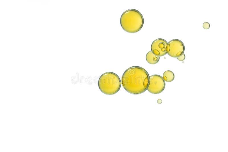 Желтый цвет клокочет isolatrd над белизной стоковые изображения rf