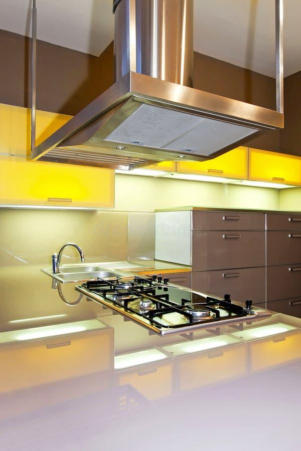 желтый цвет печки кухни стоковые изображения rf