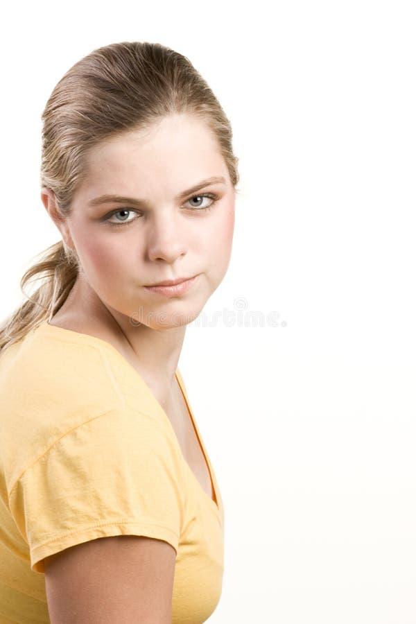 желтый цвет портрета headshot девушки кофточки подростковый стоковое изображение