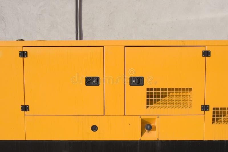 желтый цвет 2 генераторов стоковая фотография