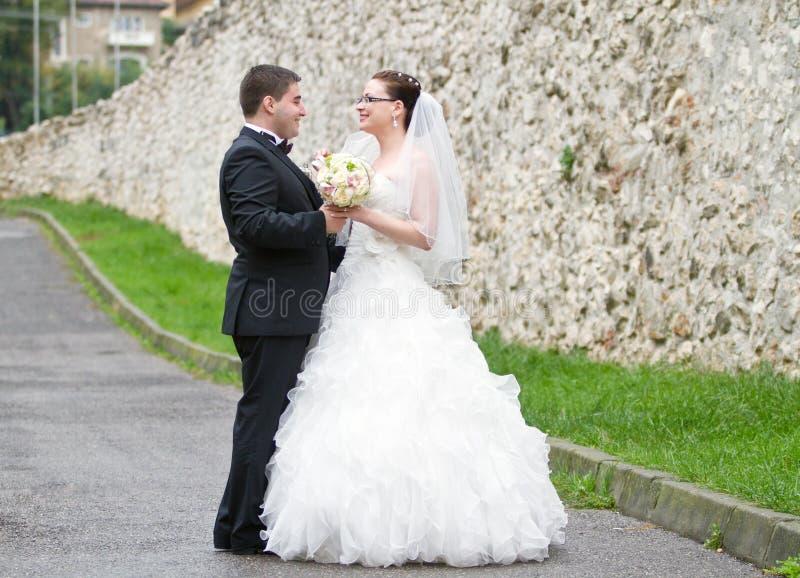 Жених и невеста стоковое фото
