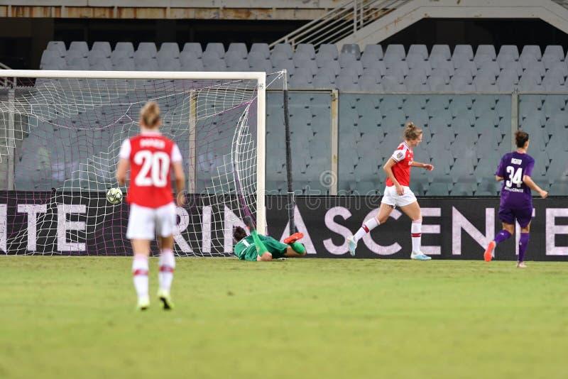 Женская лига чемпионов по футболу против Арсенала стоковая фотография rf