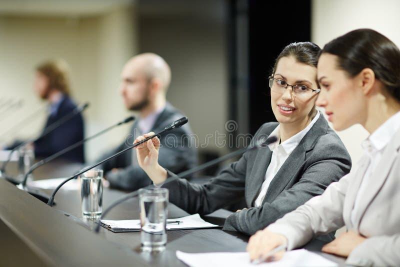 Женские делегаты стоковые изображения
