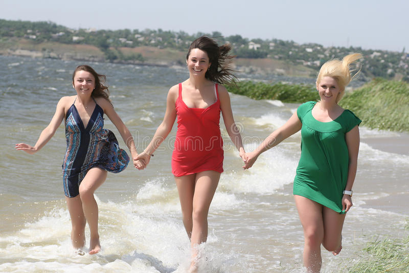 женские друзья стоковое фото rf