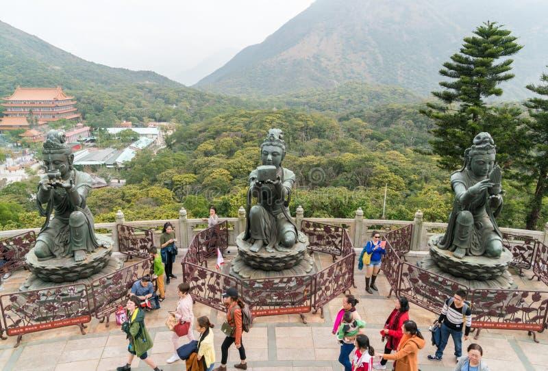 Женские статуи на монастыре Po Lin стоковое фото rf