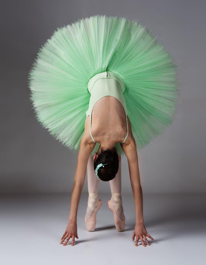 Женский артист балета стоковая фотография