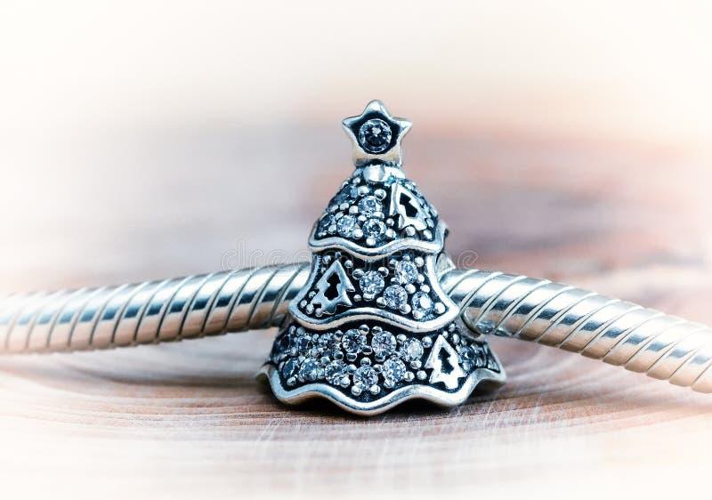Женский браслет, ювелирные изделия стоковое изображение
