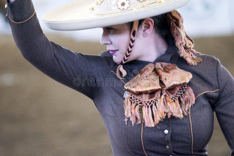 Женский всадник спины лошади в Мексике стоковое фото rf