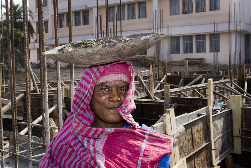 женский индийский работник стоковое изображение rf