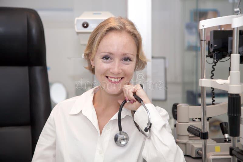 женский медицинский профессионал стоковая фотография