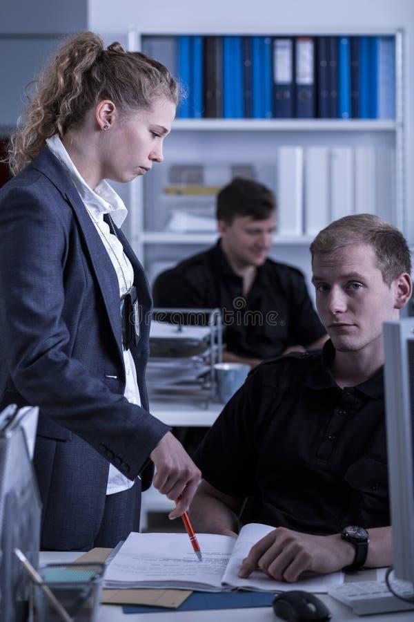 Женский начальник полиции стоковые изображения