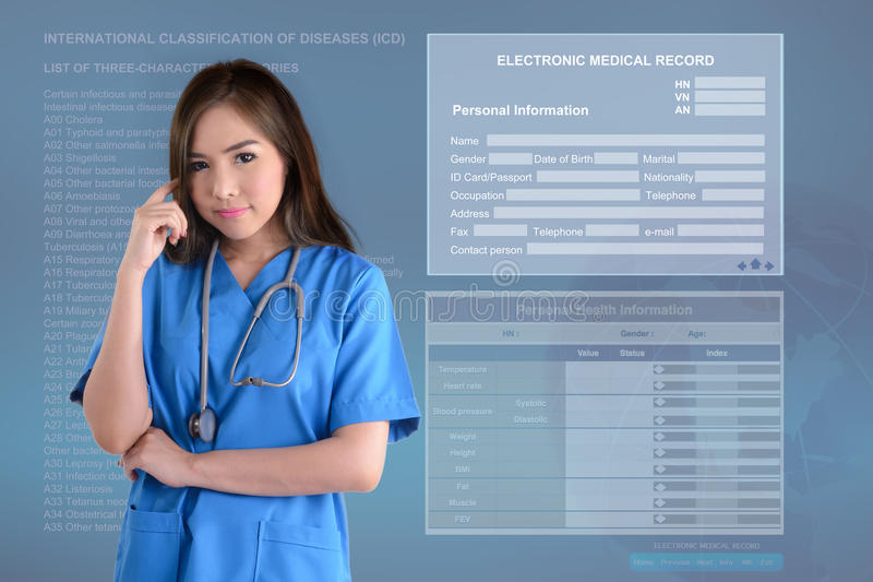 Женский доктор и электронная медицинская предпосылка стоковая фотография rf