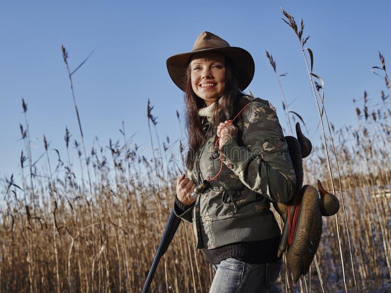 Женский охотник утки стоковые изображения