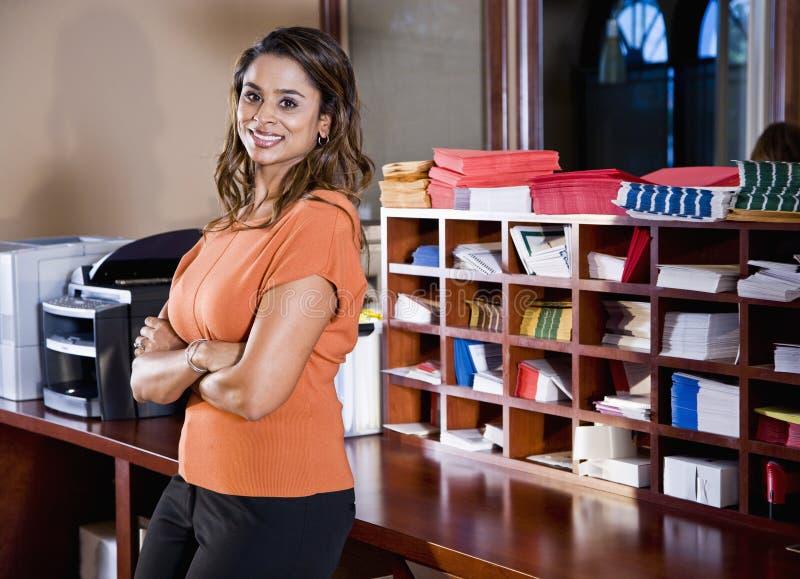 Женский работник офиса, индийская этничность стоковое фото rf