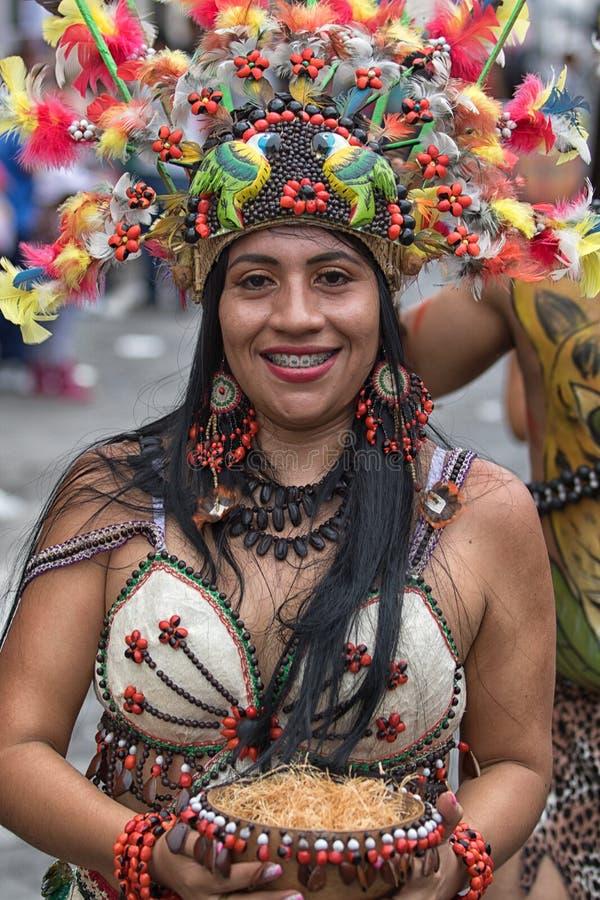 Женский танцор от его область Амазонки стоковое фото