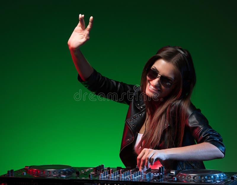 Женский DJ. стоковая фотография