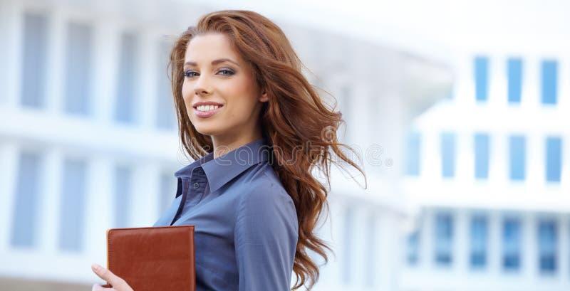 Женщина агента недвижимости стоковое изображение