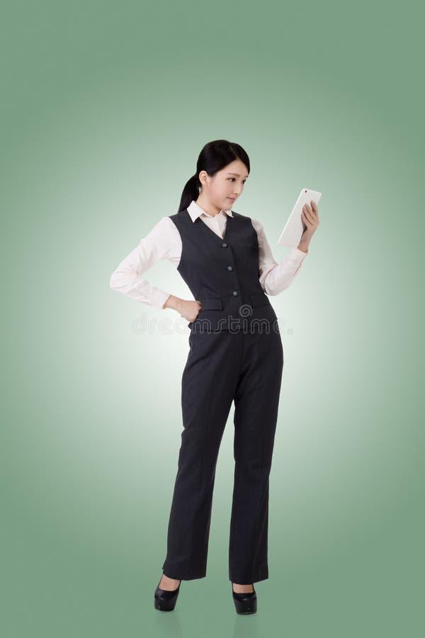 женщина азиатского дела уверенно стоковая фотография rf