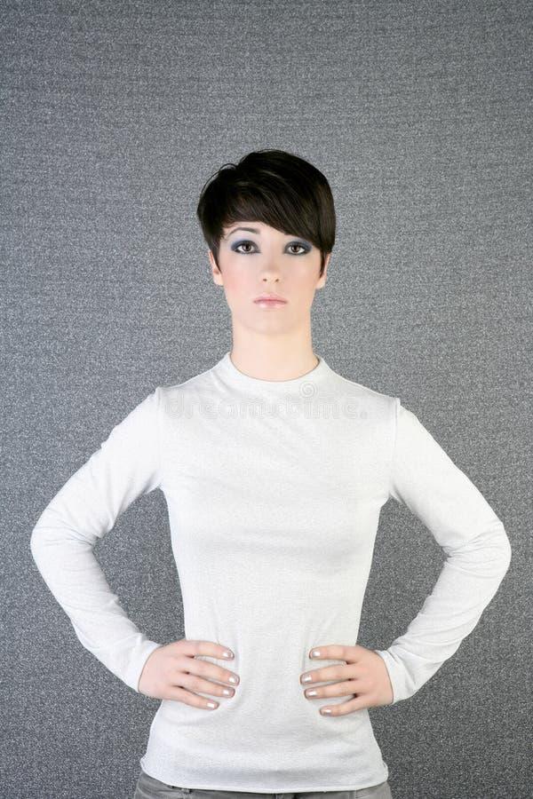 женщина андрогинного брюнет футуристическая серебряная стоковое фото rf