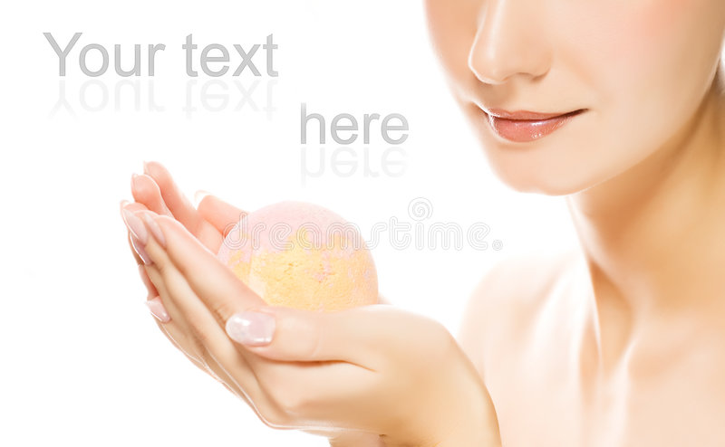женщина ванны шарика ароматности стоковые фотографии rf