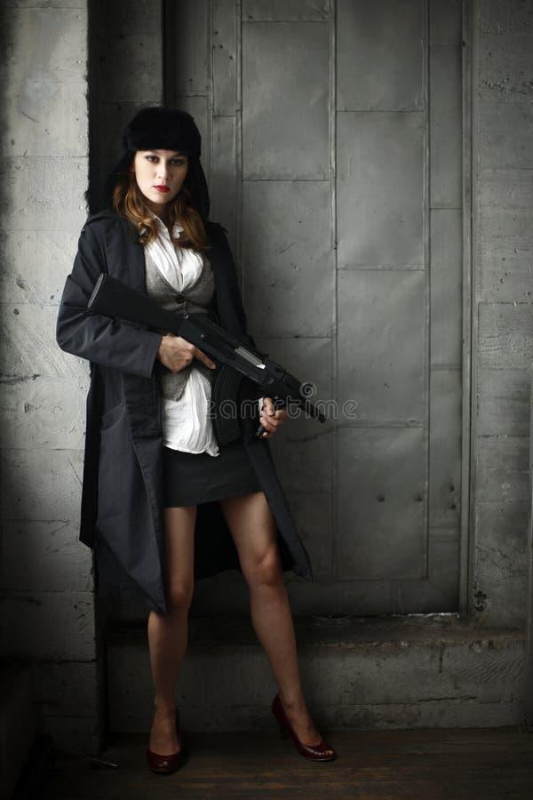 женщина винтовки стильная стоковые изображения