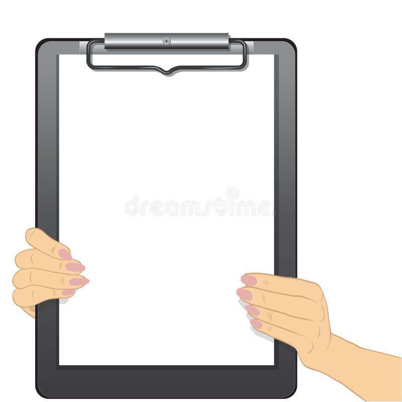 Руки держа пустую доску сзажимом для бумаги изолировано на белой предпосылке бесплатная иллюстрация