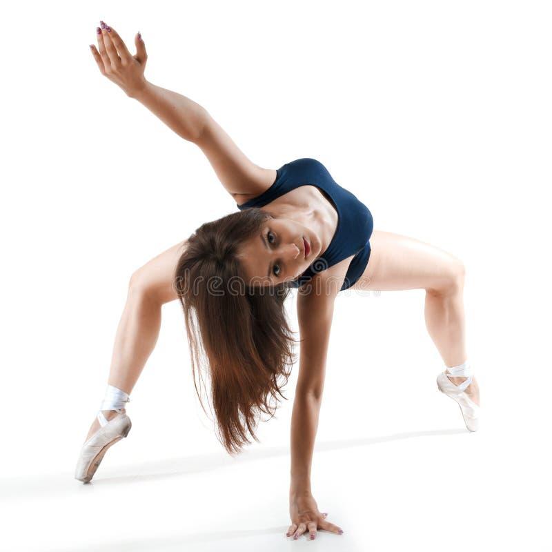 Женщина выполняя танец стоковая фотография rf