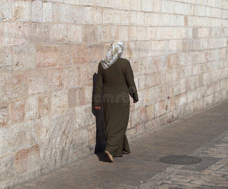 Женщина в Иерусалиме стоковая фотография rf