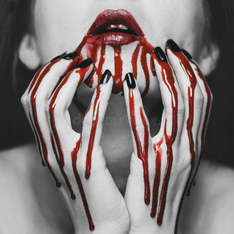 Женщина в крови стоковые фотографии rf