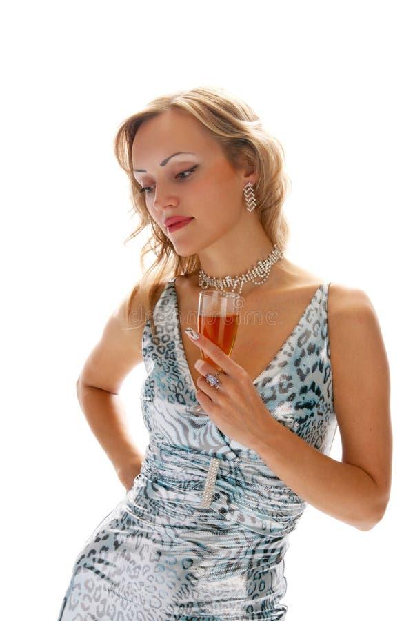Женщина в мантии вечера стоковые изображения