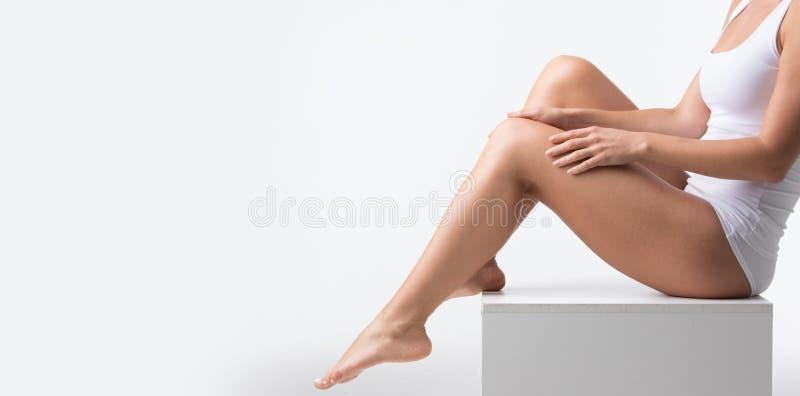 Женщина в нижнем белье хлопка стоковая фотография