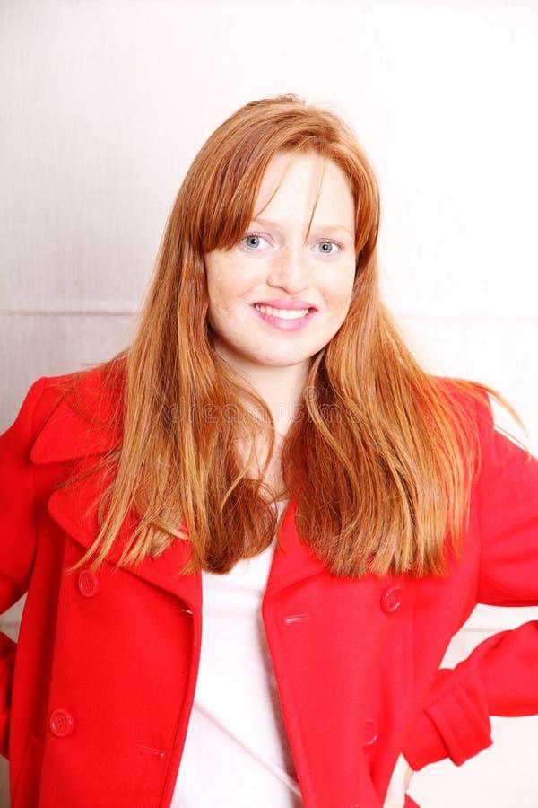 Download Женщина в одеждах зимы стоковое фото. изображение насчитывающей automobiled - 40584610