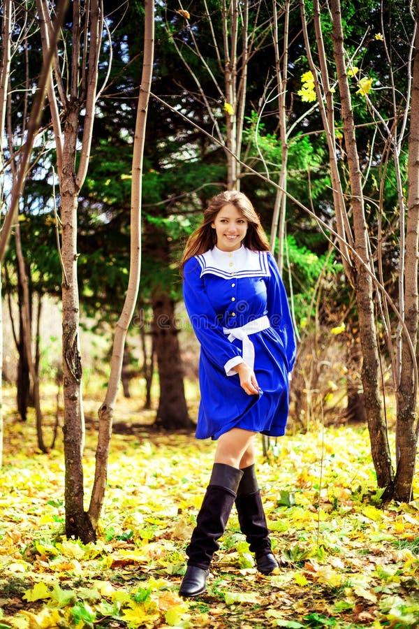 Женщина в парке стоковое фото rf
