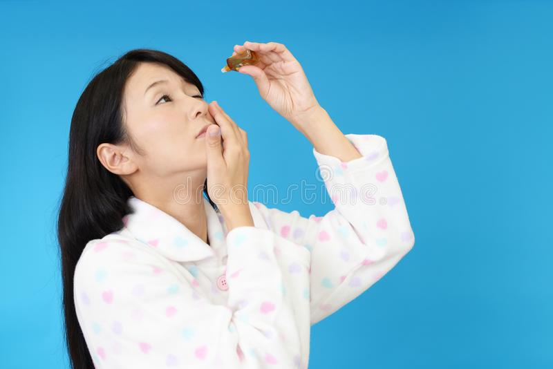 Женщина в пижамах стоковая фотография rf