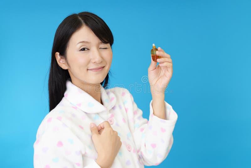 Женщина в пижамах стоковое изображение rf