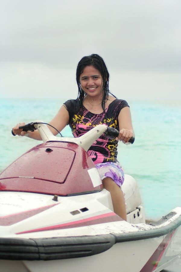 женщина езды jetski стоковое фото