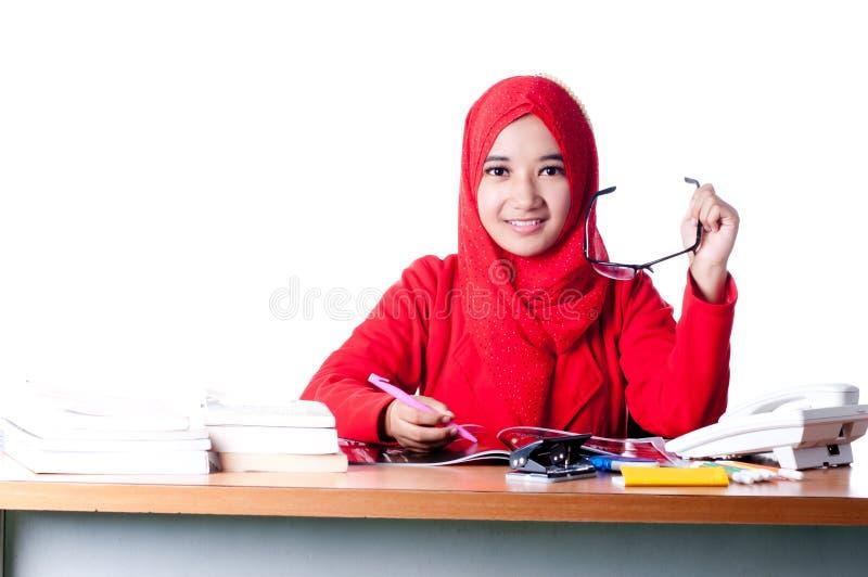 Женщина дела на работе стоковые фото
