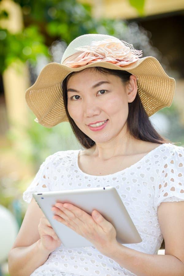Женщина играя специалиста стоковое изображение