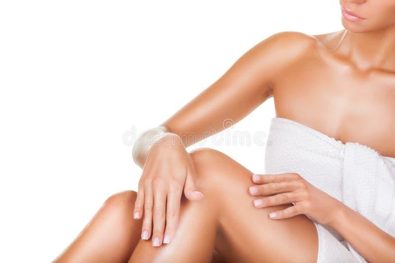 Download Женщина используя пусковую площадку стороны очищая Стоковое Фото - изображение насчитывающей женщина, moisturising: 81803292