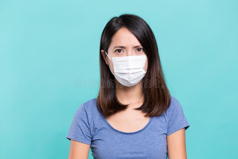 женщина лицевого щитка гермошлема нося стоковые фотографии rf