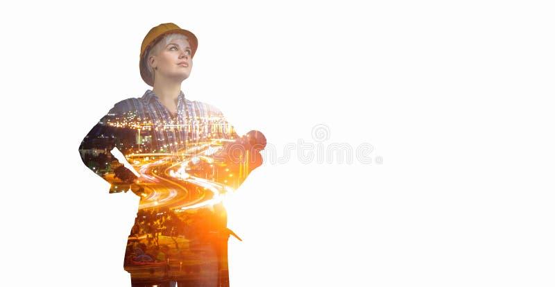 Женщина и городской пейзаж инженера Мультимедиа Мультимедиа стоковое изображение